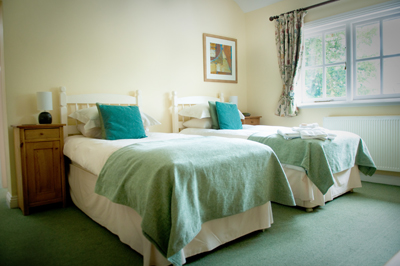 The Chetnole Inn Accommodation, B&B Rooms - Tucked away in the beautiful countryside near Sherborne lies the Inn. Perfect to discover picturesque Dorset